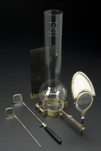 Laryngoscope c 1870. París. Henry Galante